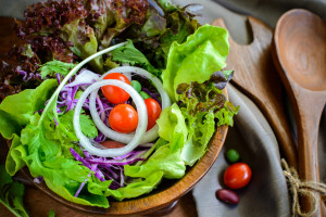 Histamine Intolerance and Diet - Salad with The Reluctant Raw Foodist